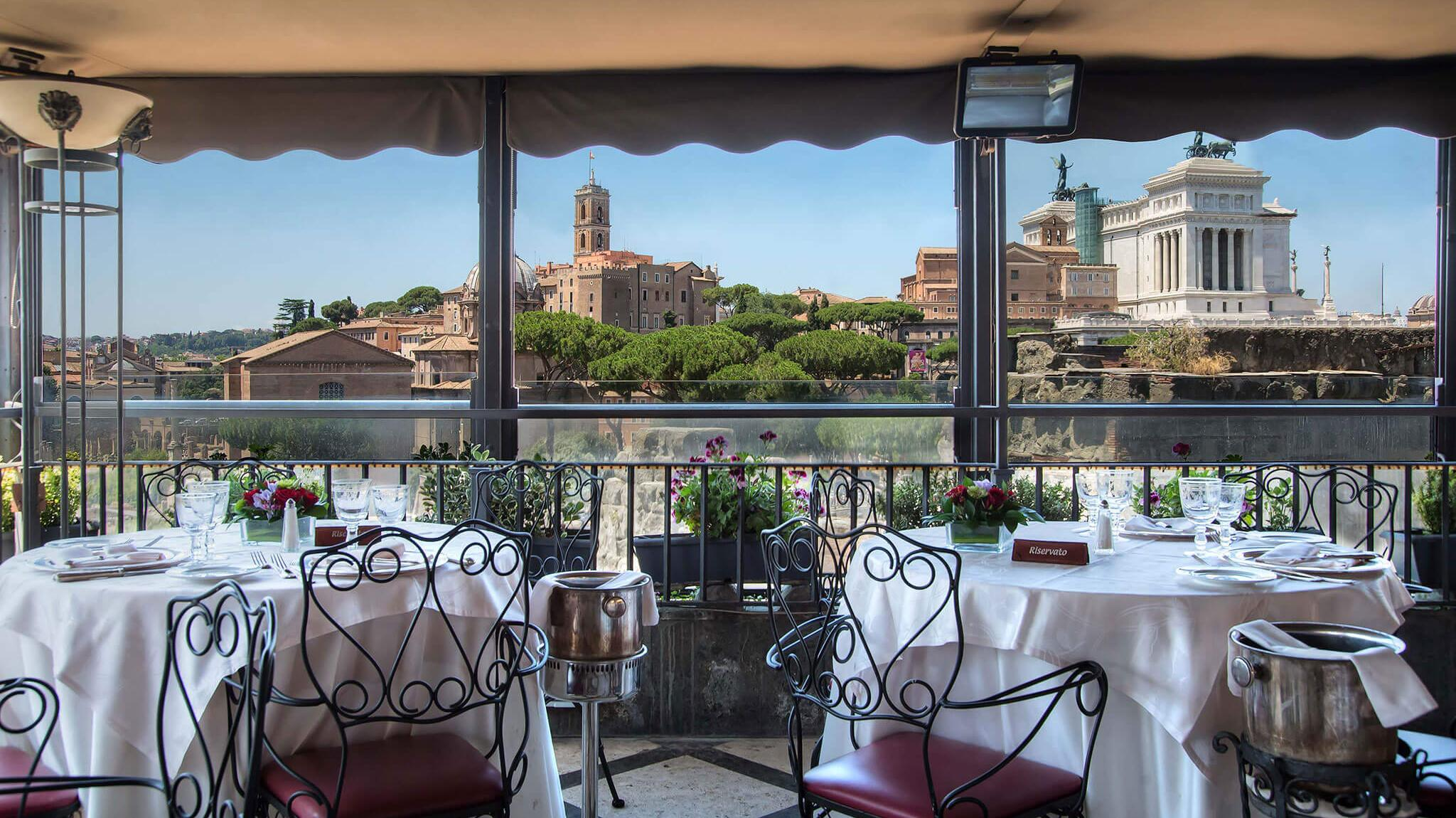 Hotel forum rome roof garden restaurant with view for Roofing forum